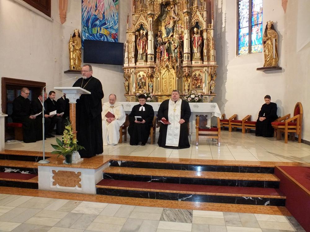 bf808c3d8369 ... 2019 sa v Rímskokatolíckom kostole Všetkých svätých v Humennom konalo  ekumenické modlitebné stretnutie v rámci Týždňa modlitieb za jednotu  kresťanov.